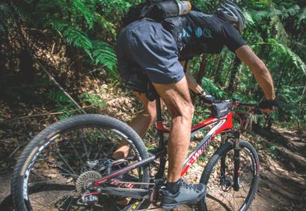 Pratiquer vélo et musculation