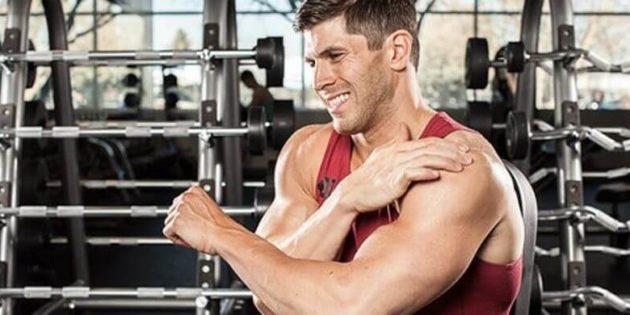 Douleur coude en musculation : quelles causes et quelles solutions ?