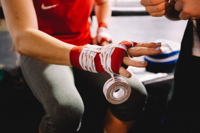 Les douleurs aux poignets en musculation