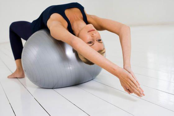Le gym ball pour muscler plus rapidement son dos