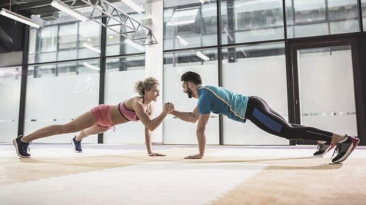 WOD CrossFit sans matériel : 6 idées de séances d'entraînement